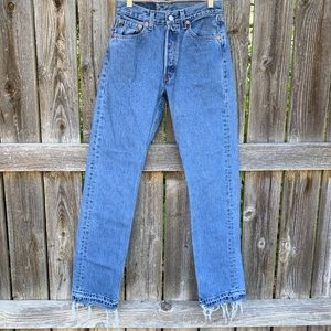 Vintage Levis Women's 28x32 Made in the USA Jeans